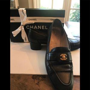 Vintage Chanel Black Loafer Block Heel Sz 39 1/2